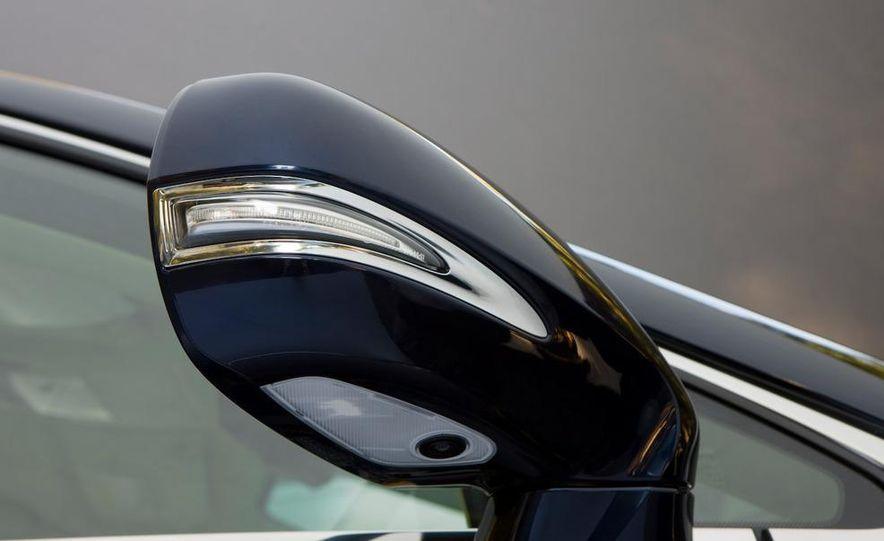 2010 Lexus RX350 - Slide 22