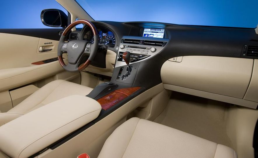 2010 Lexus RX350 - Slide 23