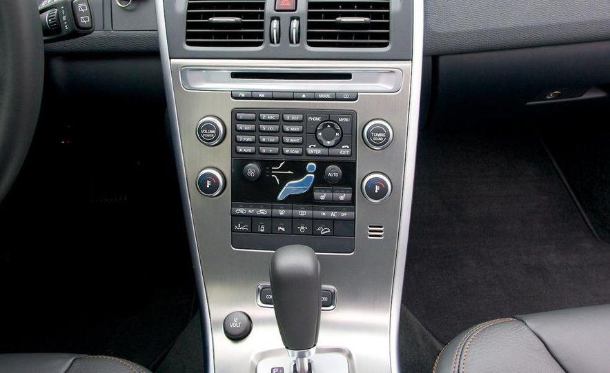 2010 Volvo XC60 - Slide 26