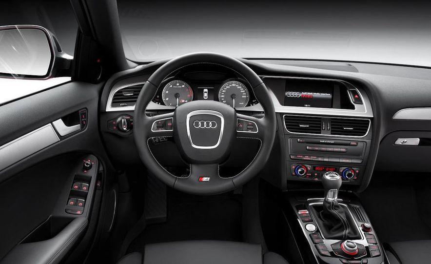 2010 Audi S4 - Slide 13