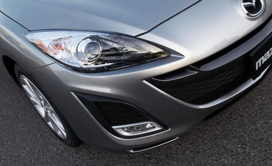 2010 Mazda 3 Grand Touring 4-door - Slide 5