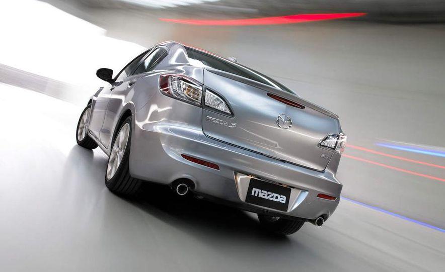 2010 Mazda 3 Grand Touring 4-door - Slide 4