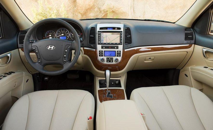 2009 Hyundai Santa Fe Limited AWD - Slide 7