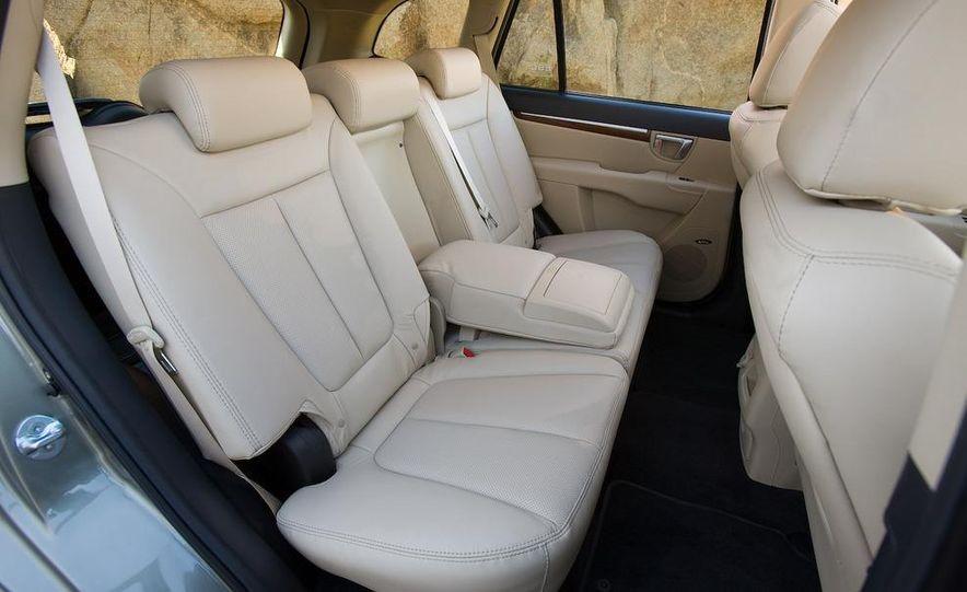 2009 Hyundai Santa Fe Limited AWD - Slide 17