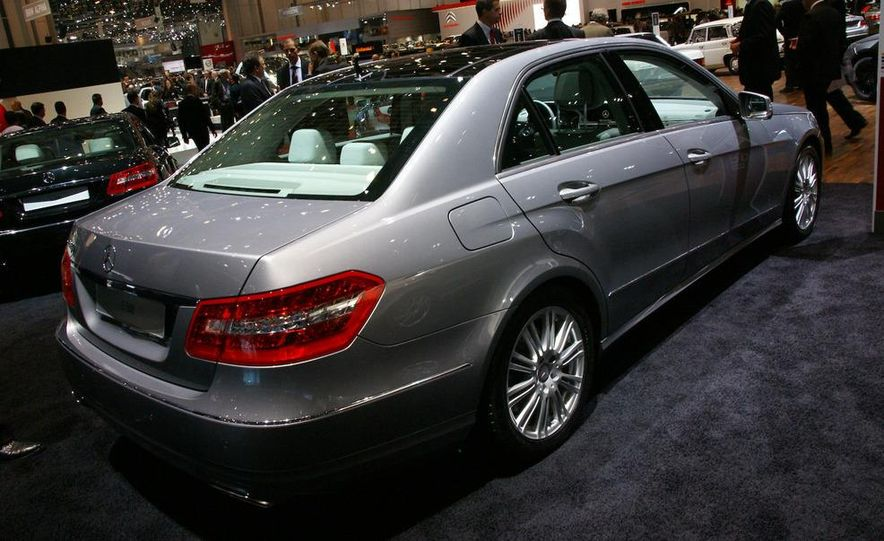 2010 Mercedes Benz E-class sedan - Slide 1