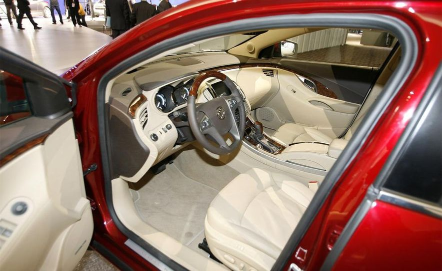 2010 Buick LaCrosse - Slide 17