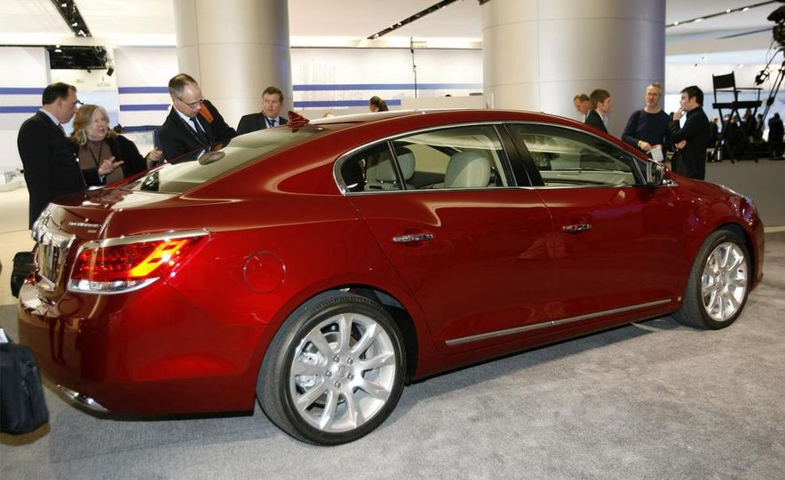 2010 Buick LaCrosse - Slide 6