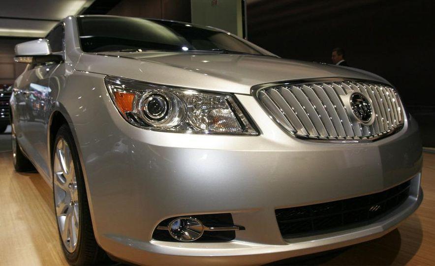 2010 Buick LaCrosse - Slide 10