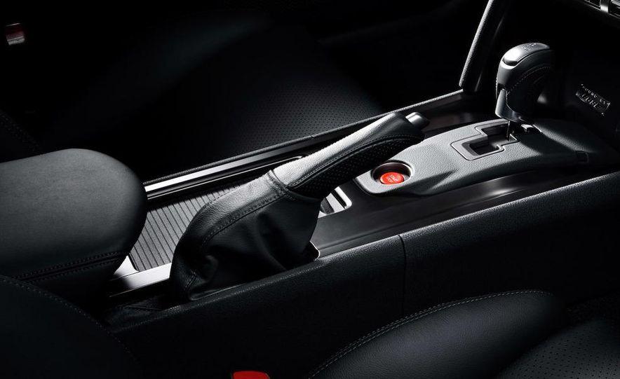 2011 Nissan GT-R Spec V - Slide 17