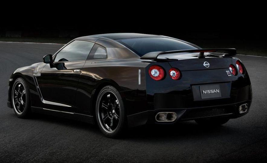 2011 Nissan GT-R Spec V - Slide 2