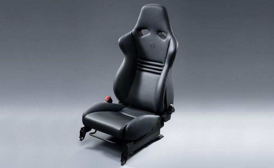 2011 Nissan GT-R Spec V - Slide 24