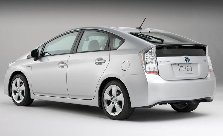 2010 Toyota Prius fender badge and side-view mirror - Slide 12