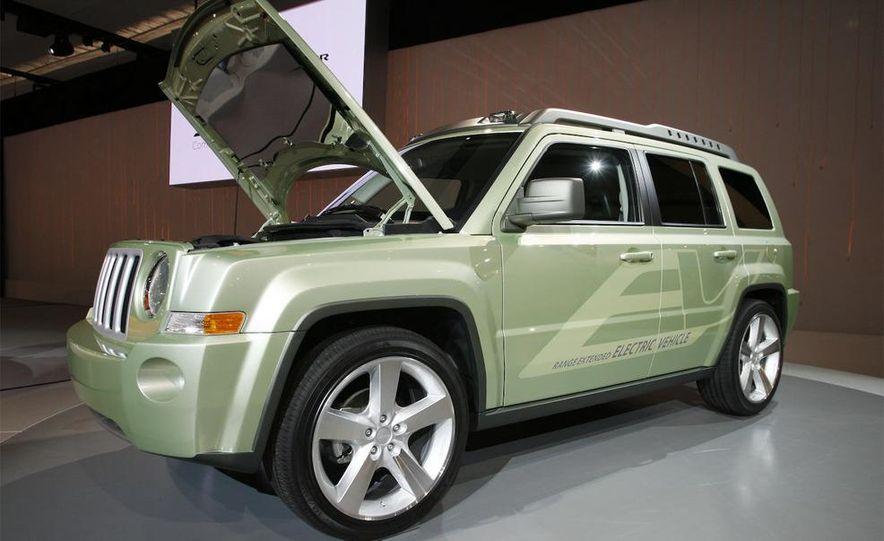 Jeep Patriot EV concept - Slide 1