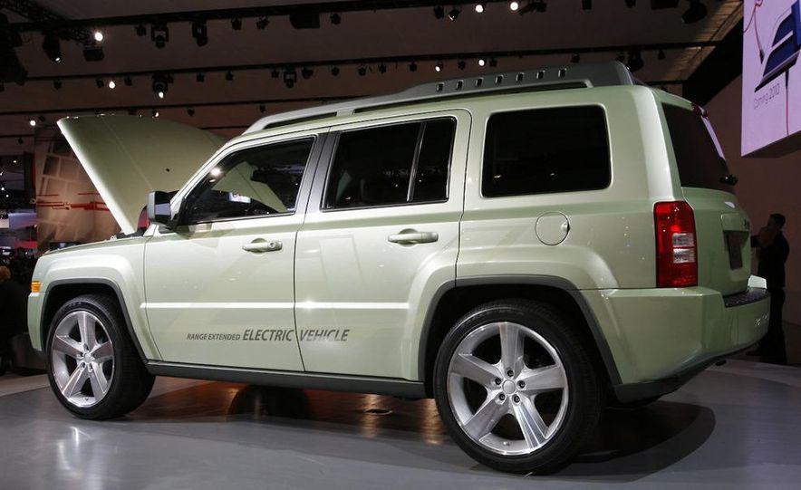 Jeep Patriot EV concept - Slide 3