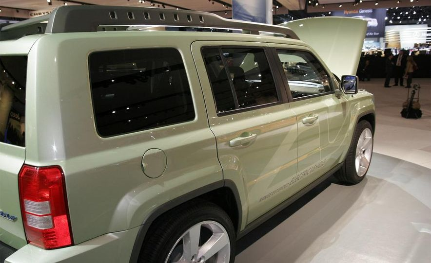 Jeep Patriot EV concept - Slide 4
