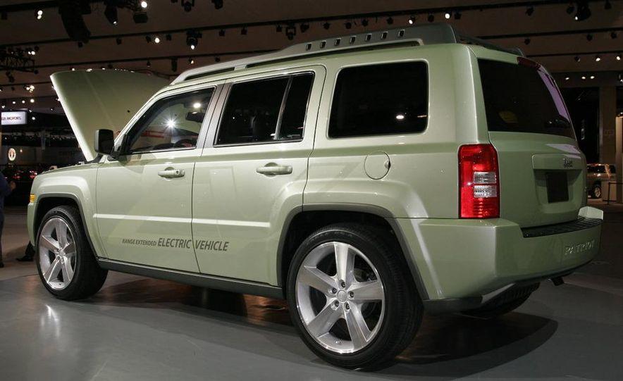Jeep Patriot EV concept - Slide 2
