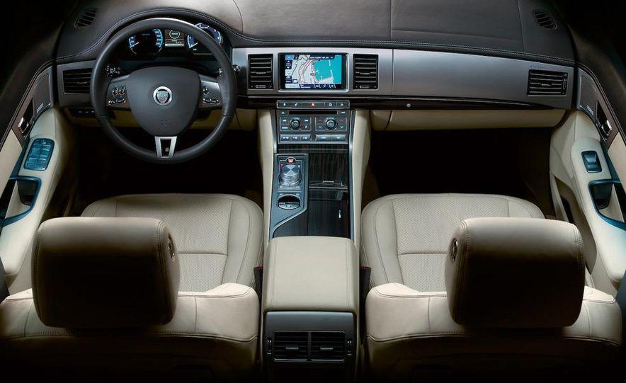 2010 Jaguar XFR - Slide 34