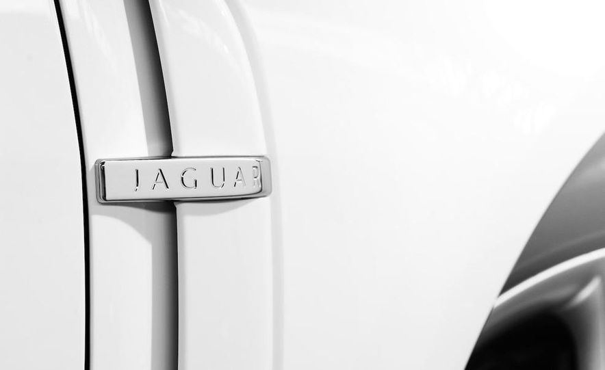 2010 Jaguar XFR - Slide 11