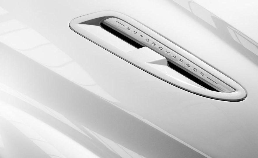 2010 Jaguar XFR - Slide 15