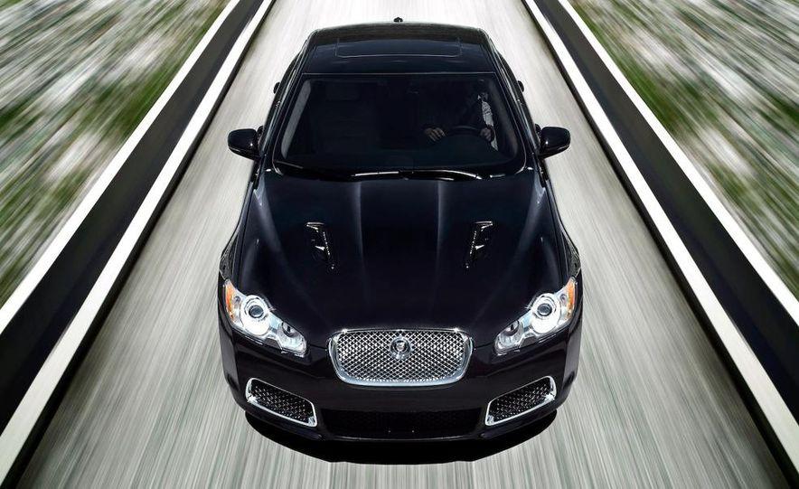 2010 Jaguar XFR - Slide 4