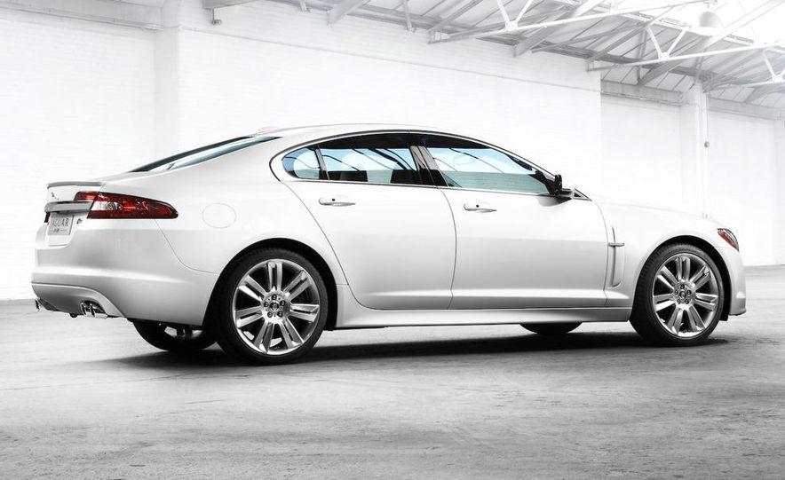 2010 Jaguar XFR - Slide 5