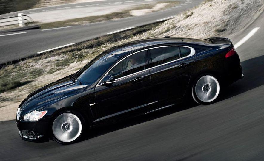 2010 Jaguar XFR - Slide 7
