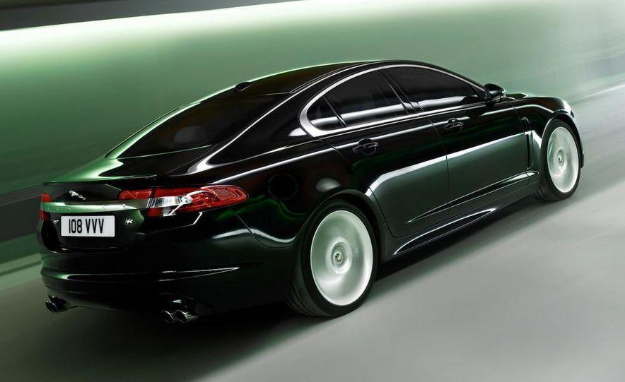 2010 Jaguar XFR - Slide 22