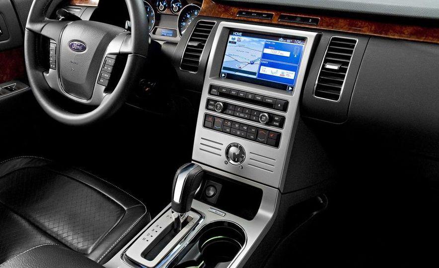 2010 Ford Flex Limited EcoBoost navigation display - Slide 4