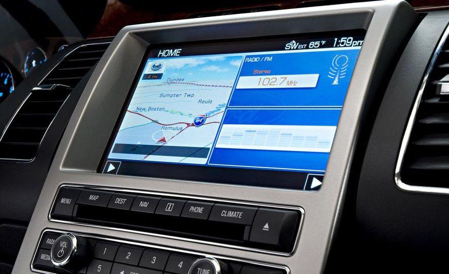 2010 Ford Flex Limited EcoBoost navigation display - Slide 1