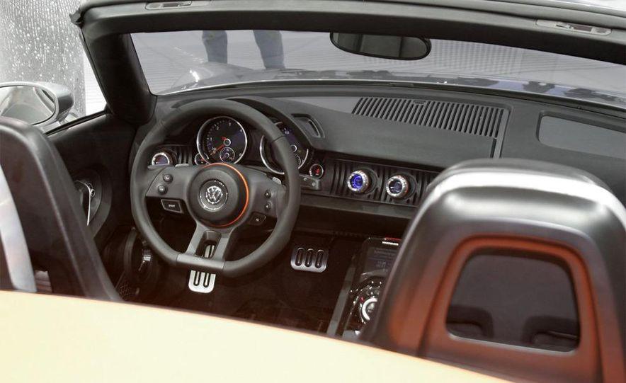 Volkswagen Concept BlueSport - Slide 17