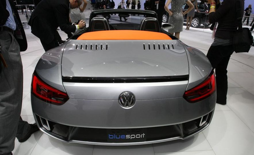 Volkswagen Concept BlueSport - Slide 12