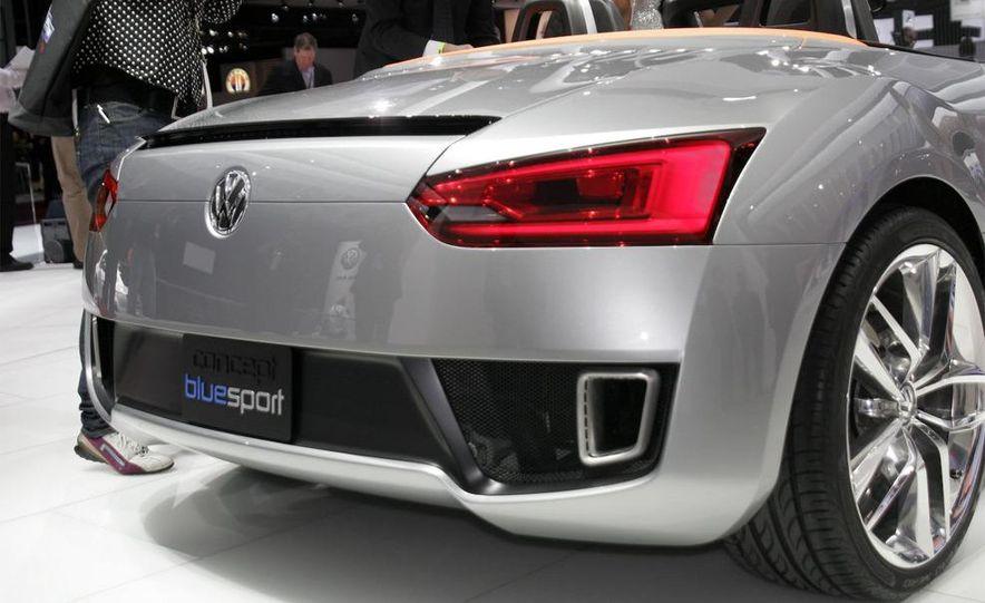 Volkswagen Concept BlueSport - Slide 9