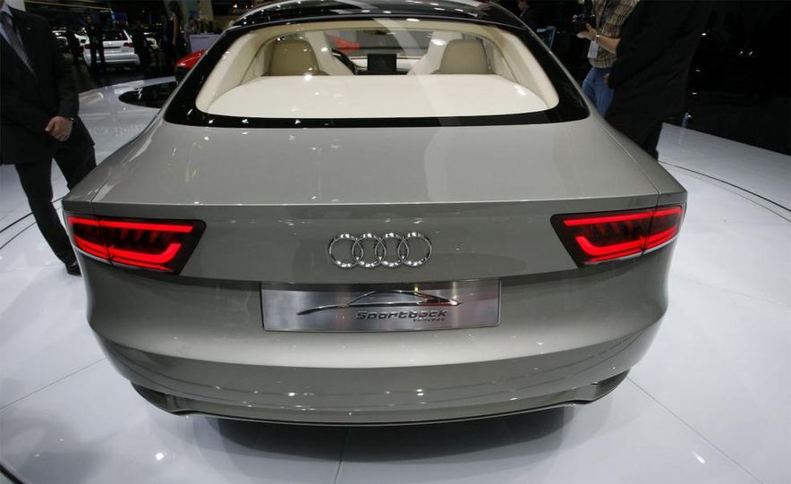 Audi A7 Sportback concept - Slide 10