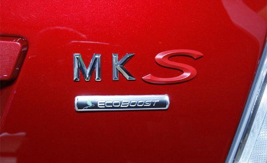 2010 Lincoln MKS EcoBoost instrument panel badge - Slide 17