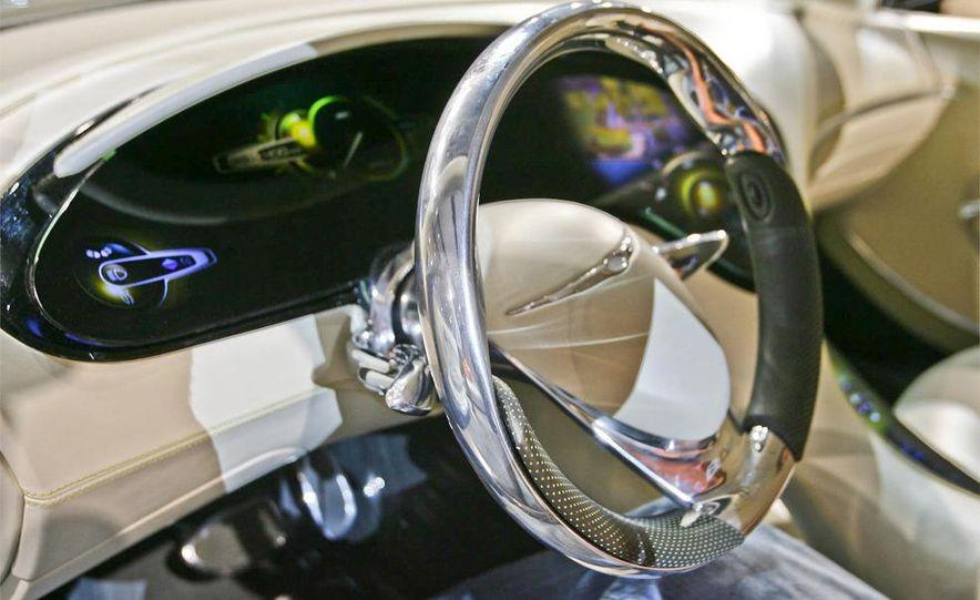Chrysler 200C EV concept - Slide 12
