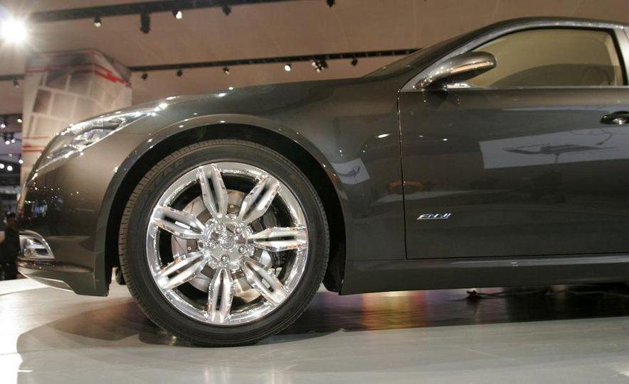Chrysler 200C EV concept - Slide 15