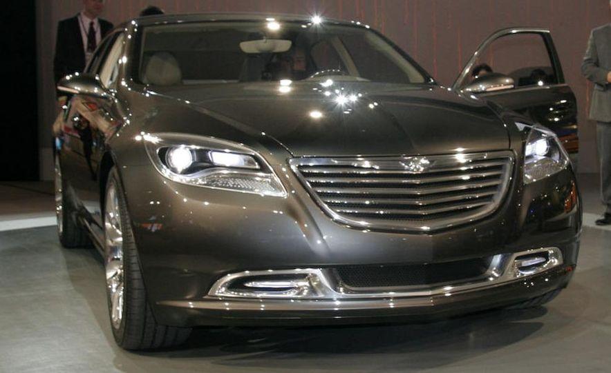 Chrysler 200C EV concept - Slide 5