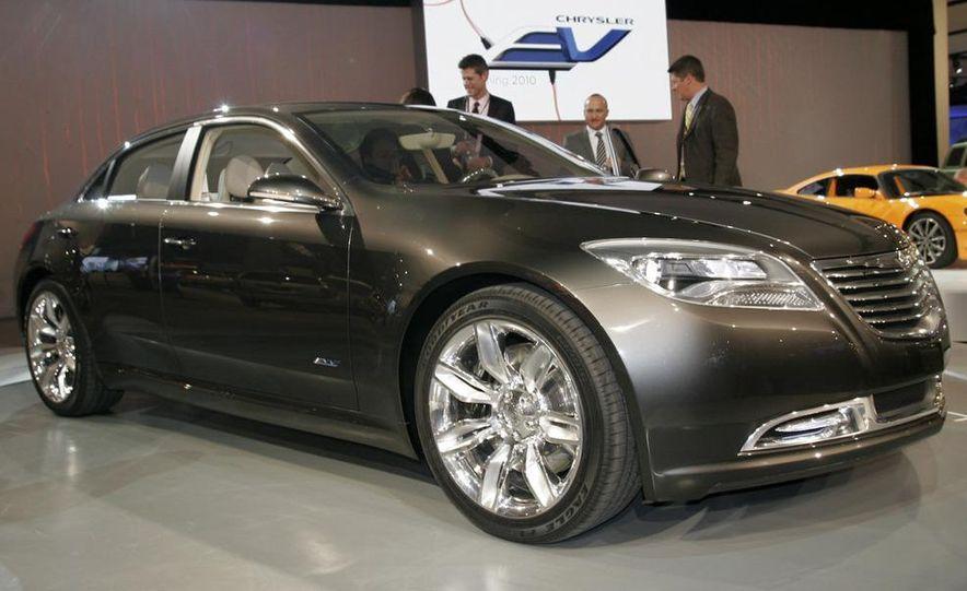 Chrysler 200C EV concept - Slide 6