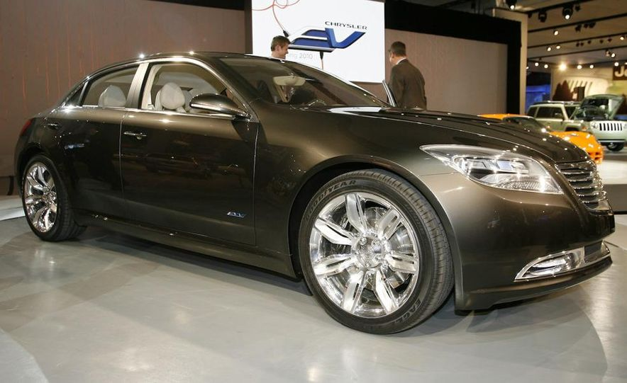 Chrysler 200C EV concept - Slide 10