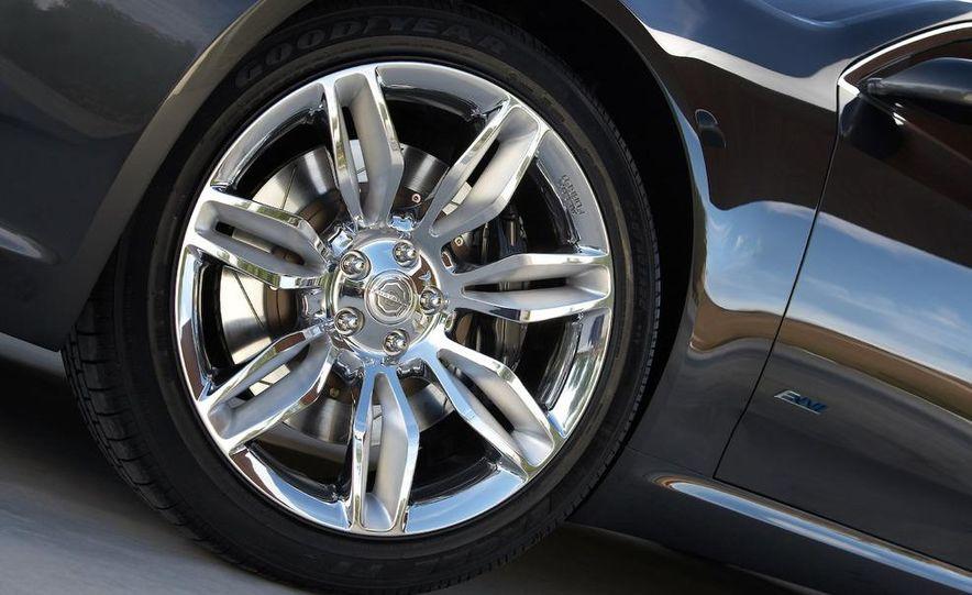 Chrysler 200C EV concept - Slide 32