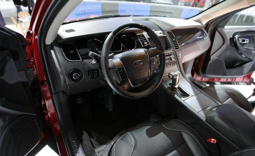 2010 Ford Taurus - Slide 23