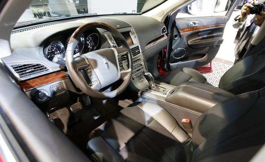 2010 Ford Taurus - Slide 38