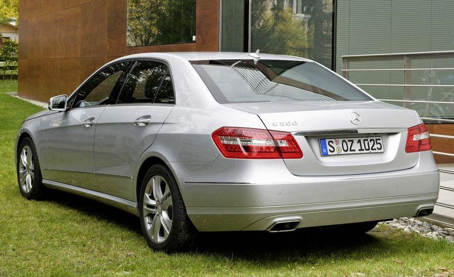 2010 Mercedes-Benz E-class coupe - Slide 17