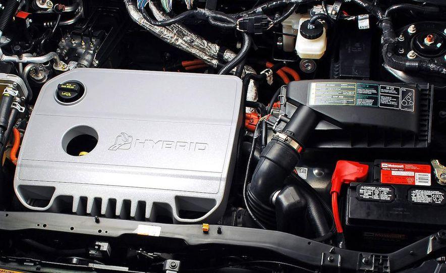 Audi A4 2.0-liter turbocharged inline-4 engine - Slide 17