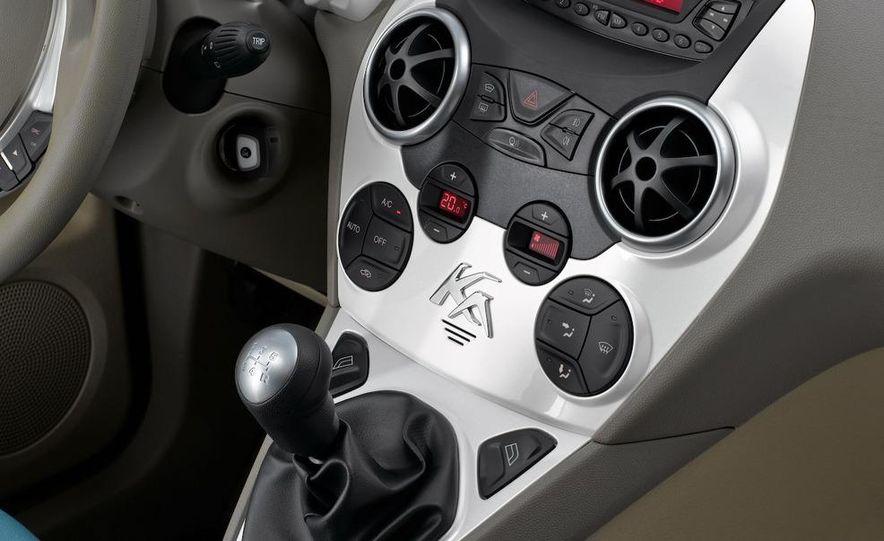 2009 Ford Ka - Slide 19