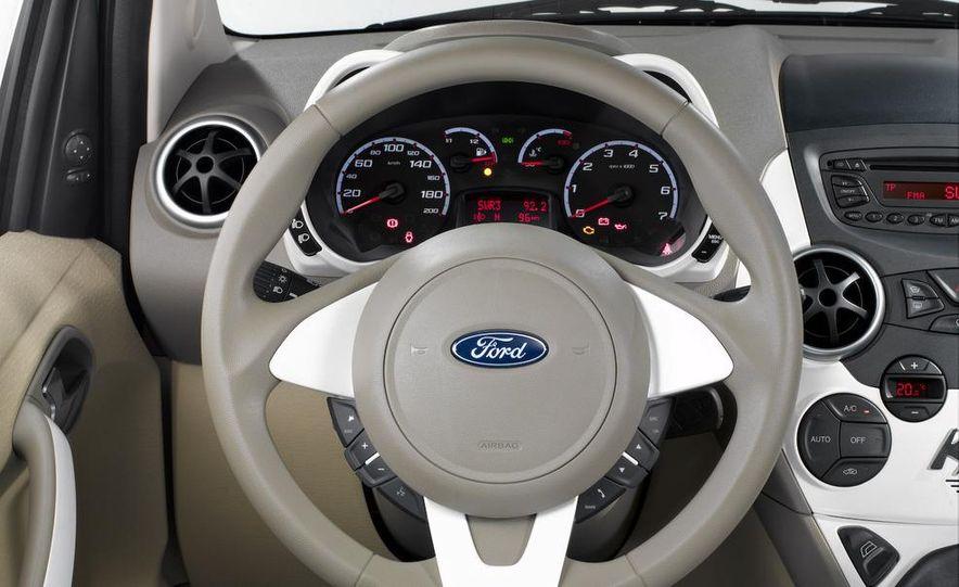 2009 Ford Ka - Slide 18