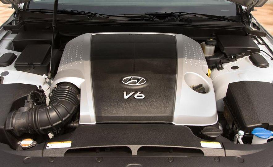 2009 Hyundai Genesis 3.8 - Slide 6
