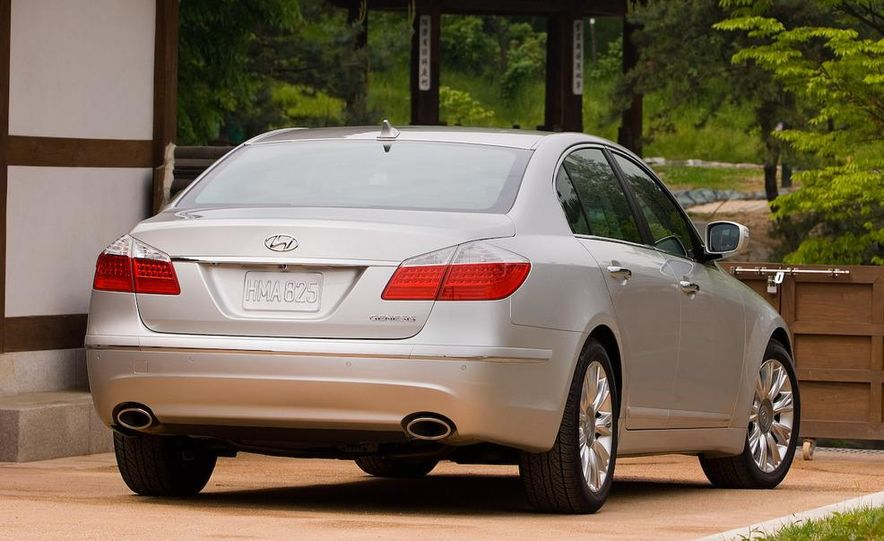 2009 Hyundai Genesis 3.8 - Slide 5
