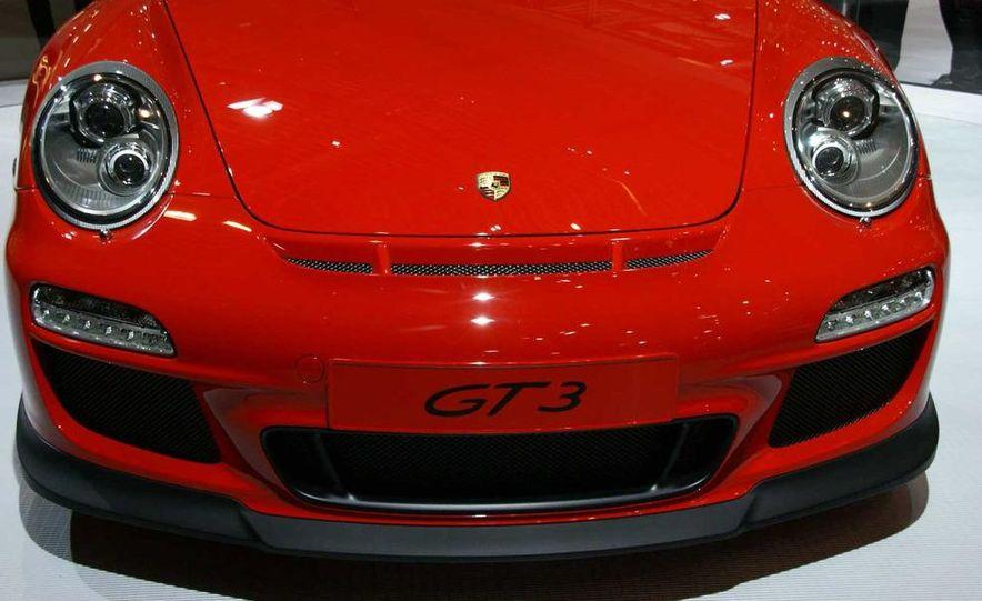 2010 Porsche 911 GT3 - Slide 13