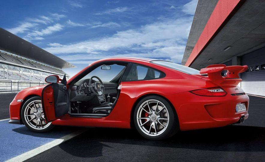 2010 Porsche 911 GT3 - Slide 32